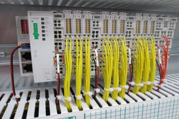 elettricità-cablaggio-cavo-quadro-elettrico