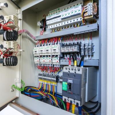 elettricità-quadro-elettrico-cavi-riparazione-manutenzione