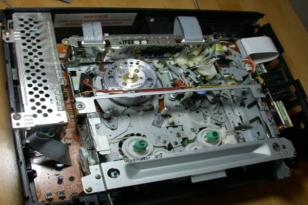 elettronica-riparazione-meccanica-vhs-videoregistratore